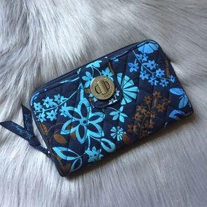 LIKE NEW Vera Bradley blue RFID Turnlock wallet